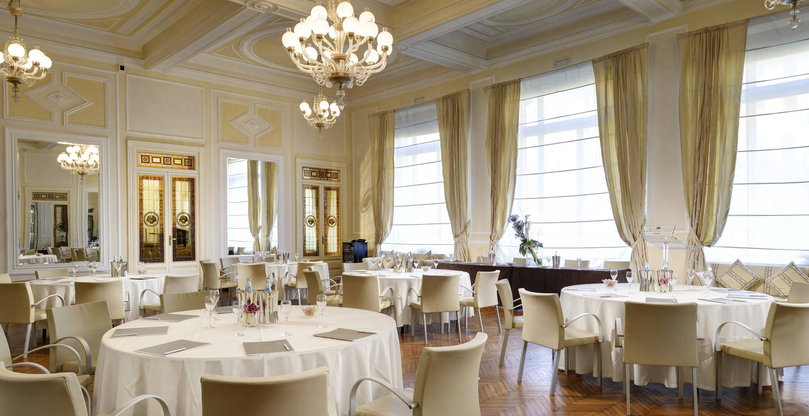 Principe Di Piemonte Hotel S Meeting Rooms And Facilities